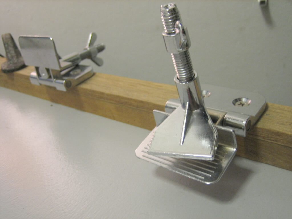 1-Color DIY screen printing press - jiffy hinges