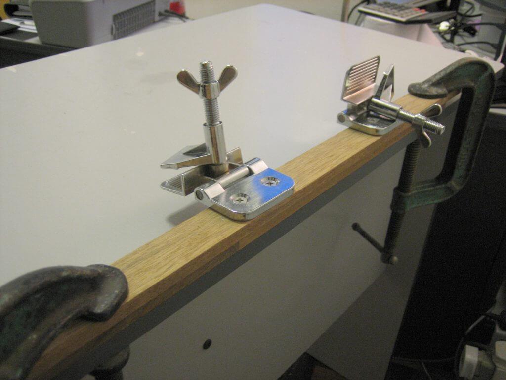 1-Color DIY screen printing press - ledge